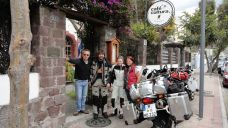 Owner and friendly staff of Café Cultura in Quito