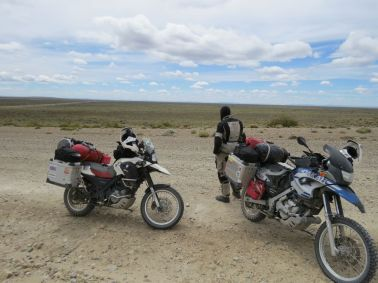 taking in the vast landscape as we got started. no rain, less wind, this was going to be fun.