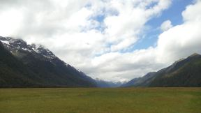 brand valleys on the way to Milford Sound