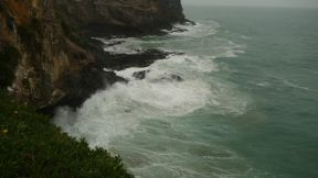 Roaring sea at the Otago peninsula